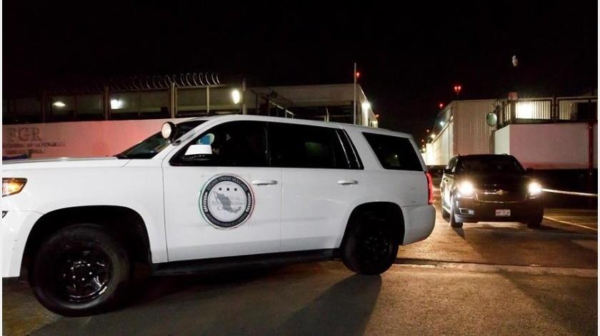 El ex director de Pemex tras se extraditado de España, en su llegada a México.(EFE)