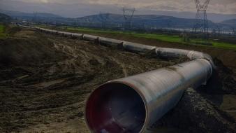 Bloquean la autopista México-Pachuca ante instalación de planta gasera en San Pedro Huaquilpan; temen explosión