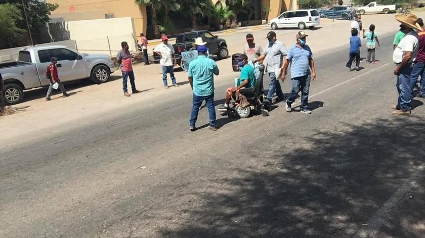 Cuando la emergencia sanitaria fue declarada en Sonora, los comerciantes y atesanos del poblado Miguel Alemán perdieron sus ingresos, por lo que piden a las autoridades permiso para volver a trabajar.(Especial)
