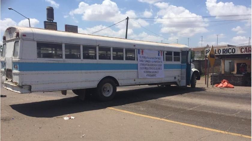 Yaquis ahora bloquean circulación en la México 15, a la altura de Vícam(Especial)