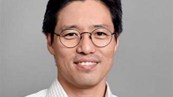 Según la biografía de la universidad, el educador se graduó de la Universidad de Corea en Seúl en 1998 antes de obtener dos títulos avanzados de la Universidad de Michigan y unirse a ASU en 2005.