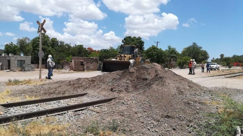 Integrantes de la tribu Yaqui levantaron el bloqueo en la carretera y vías del tren, pero aseguran que siguen las mesas de negociación.(Susana A. Arana)