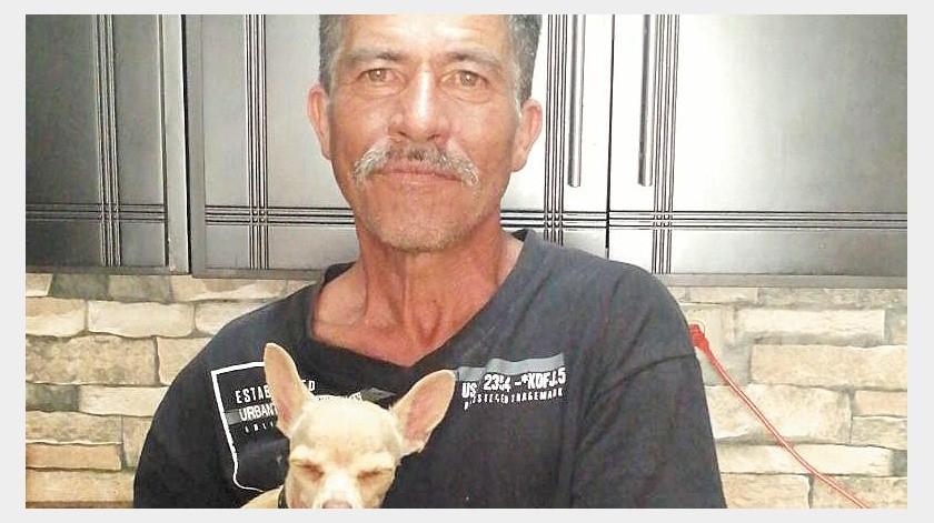 José Carmelo logró reunirse con su familia después de una década separados.(EFE)