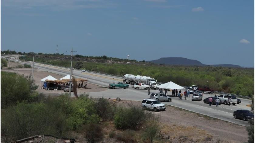 Juan Luis Matuz Valenzuela, secretario de la Loma de Guamuchil, expresó que se mantendrán con presencia en la carretera hasta que los acuerdos planteado en las reuniones que tuvieron con el Gobierno Federal comiencen a llegarles.(Especial)