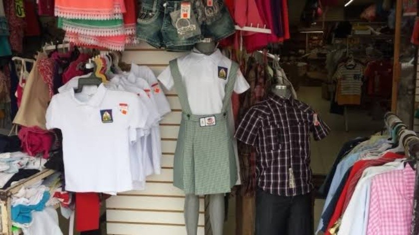 Comerciantes piden a autoridades que clases virtuales sean portando uniforme(GH)