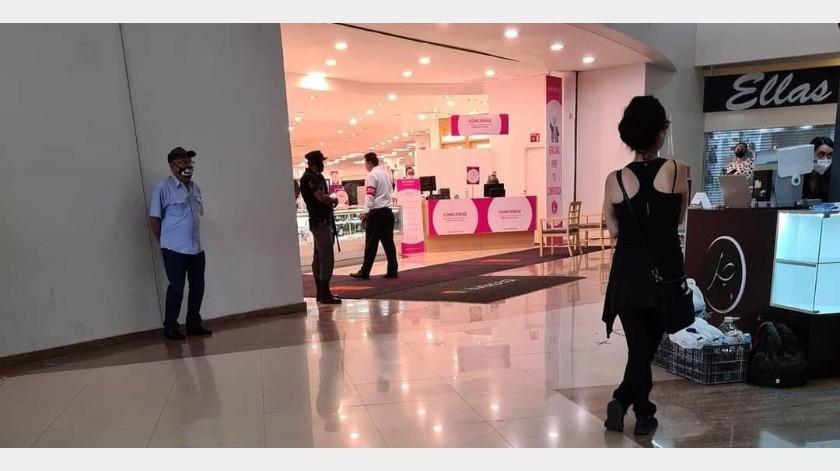 Tiendas comerciales reabrieron ayer sus puertas en espera de unas buenas ventas en Ciudad Obregón, al igual que el Mercajeme.