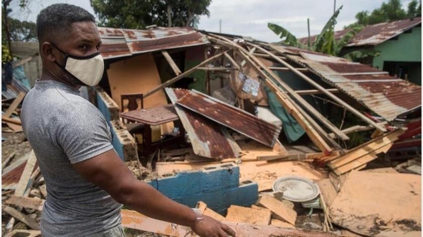Según el NHC, a lo largo de la jornada se esperan condiciones de huracán y marejadas ciclónicas peligrosas en determinada zonas de Bahamas(EFE)