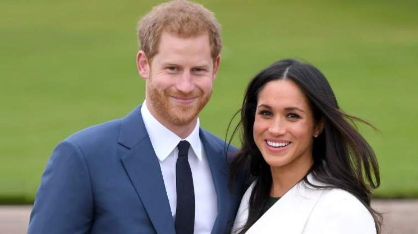 Megahn Markle y el príncipe Harry se ven en controversia por publicaciones en reciente libro.