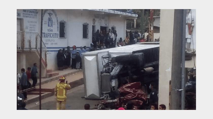 el director general del IMSS, Zoé Robledo confirmó el accidente si precisar el saldo.(Especial)