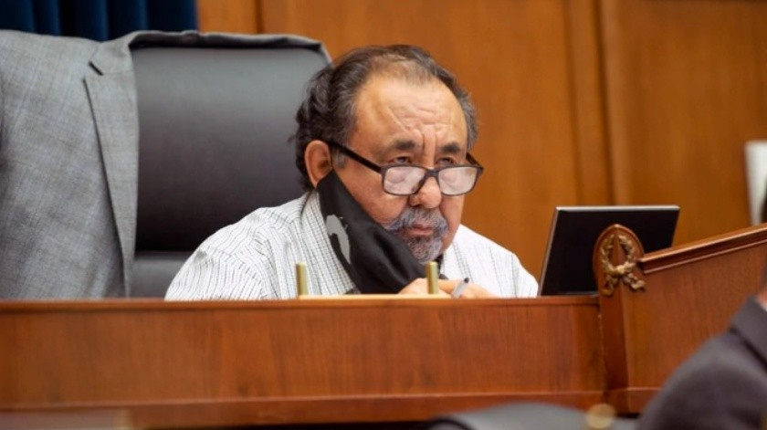 Congresista Raúl Grijalva da positivo a Covid-19(AP)