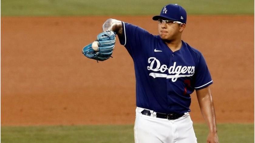 Con Julio Urías desde el montículo Dodgers vencen a los Dbacks(EFE)