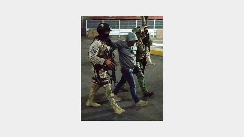 """Momentos de la captura del líder del Cártel Santa Rosa de Lima """"El Marro""""(FB)"""