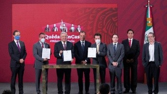 Azcárraga, Salinas y otros empresarios, firman acuerdo histórico con AMLO a favor de la educación en México