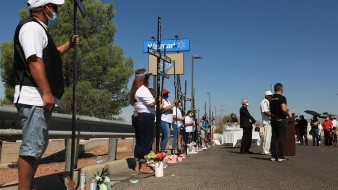 Con abrazos virtuales y peregrinaje El Paso recuerda a víctimas de tiroteo