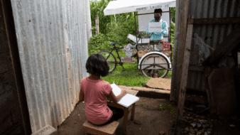 Un triciclo, la solución para el regreso a clases ante Covid-19 en Guatemala