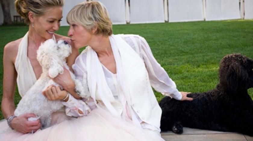 La semana pasada DeGeneres emitió una disculpa a los miembros del programa. De Rossi, de 47 años, expresó su apoyo a DeGeneres en Instagram.(theellenshow)