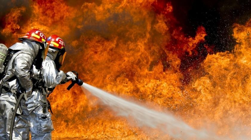 Por grave daño ambiental compañía podría ser sancionada tras incendio de residuos industriales en Veracruz(Pixabay / Ilustrativa)