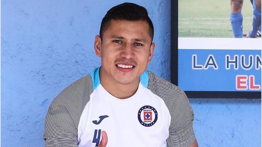 """Cruz Azul reporta al """"Cata"""" Domínguez con infección pulmonar, no tiene Covid-19(Instagram @catadominguez04)"""