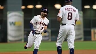 Con Altuve y Correa los Astros de Houston derrotan a los Diamondbacks de Arizona