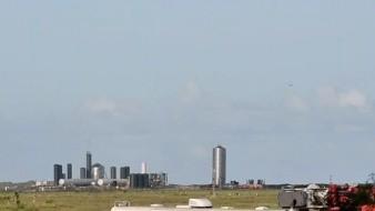 SpaceX vuela con éxito su prototipo de nave espacial