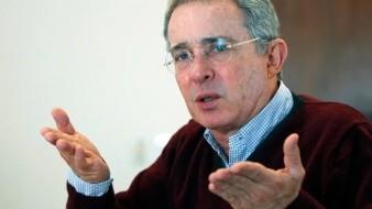 Da positivo a Covid-19 el ex presidente Álvaro Uribe tras su detención domiciliaria