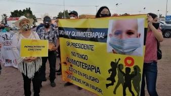Padres de niños con cáncer esperan hablar con AMLO sobre falta de tratamientos