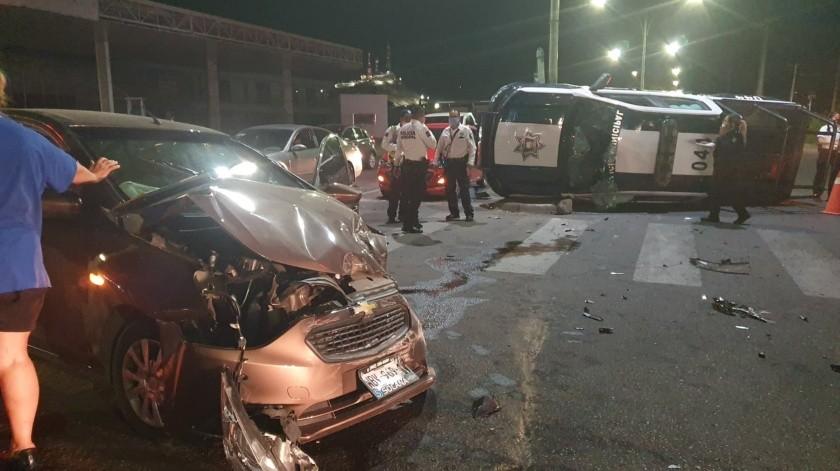 Participa patrulla de Policía Municipal en choque; no hay heridos(GH)