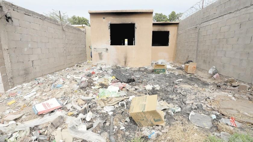 Las viviendas abandonadas se han convertido en un dolor de cabeza para los vecinos y las autoridades.(Anahí Velásquez)