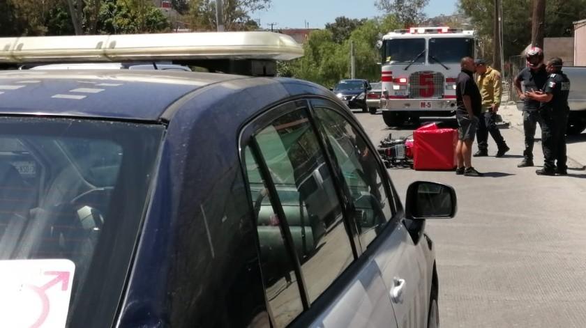 Conductor impacta a motociclista en la colonia Camino Verde(Margarito Martínez)