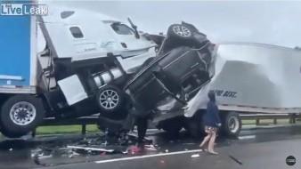 VIDEO: Impactante choque múltiple en Virginia deja dos muertos