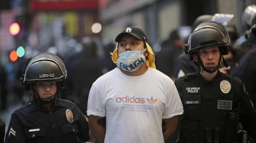 Covid-19: cortarán luz y agua de casas en las que hagan fiestas en Los Ángeles(AP)