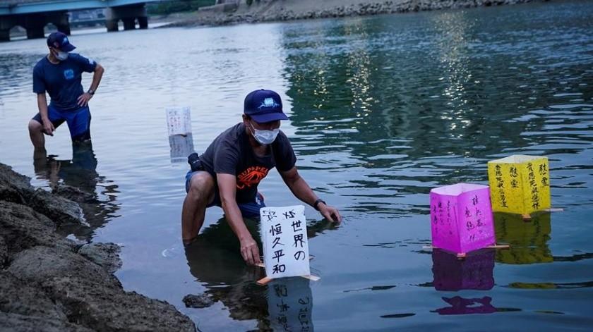 """Para """"evitar Covid-19"""", gobernador en Japón pide hacer gárgaras a ciudadanos(EFE)"""