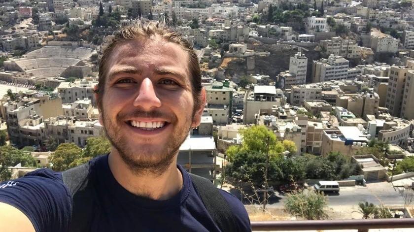 Sebastián vive en un departamento cerca de donde ocurrió la explosión.(ESPECIAL)