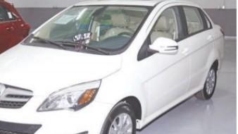Mejora venta de autos pero sigue baja: INEGI