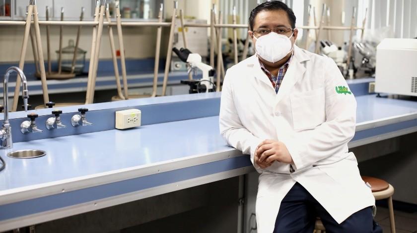 Desarrolla el proyecto en el laboratorio de Bioquímica en el campus Mexicali de la UABC.(DANIEL RESENDIZ)