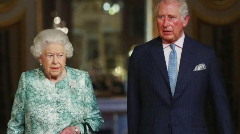 La reina y el príncipe Carlos dan sus condolencias tras explosión en Líbano.