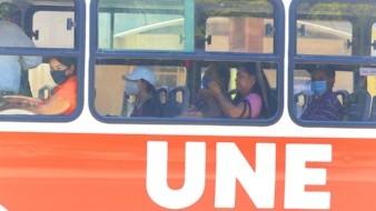 Hasta los cubrebocas dejan pasajeros en los camiones