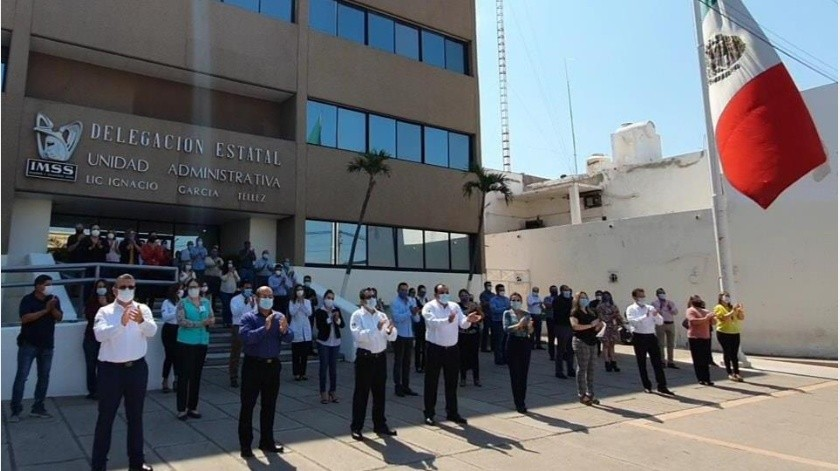 Directivos y trabajadores realizan ceremonia para honrar a compañeros de la delegación(Especial)