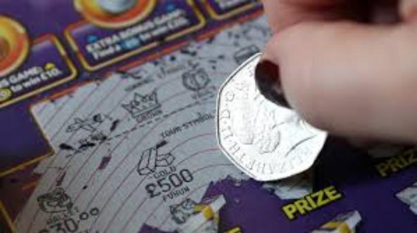 Gana la lotería  un día después de quedarse sin trabajo(Tomada de la red)