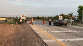 Mantienen yaquis bloqueos; solicitan ayuda a conductores