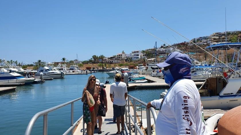 Gran cantidad de personas se observó el fin de semana en la Marina San Carlos, solicitando los servicios de renta de yates.(Yesicka Ojeda)