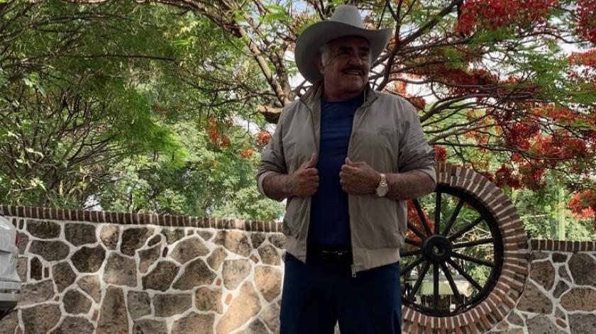 Las autoridades están haciendo todo lo posible para que el aeropuerto de Puerto Vallarta lleve el nombre del cantante