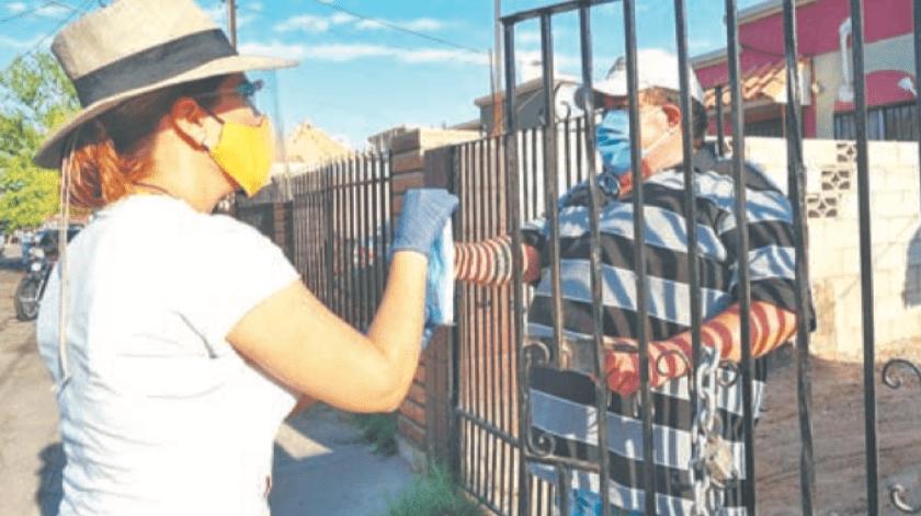 Distribuye Gobierno municipal cubrebocas en zonas vulnerables(Cortesía)