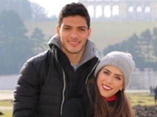 Daniela Basso apoya en todo a su esposo Raúl Jiménez.