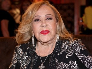 """Silvia Pinal confiesa haberse operado para """"levantar la nalga"""""""