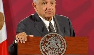 Si en la investigación contra Emilio Lozoya Austin, ex directivo de Pemex, hay Que llamar a Peña Nieto y Felipe Calderón, esa será decisión de FGR, advierte López Obrador.