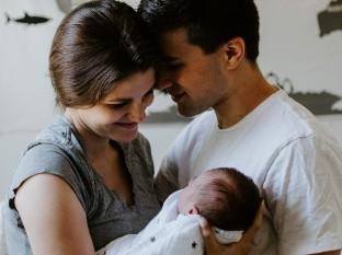 """Crean """"bebé móvil"""" para presentar a los recién nacidos en cuarentena"""