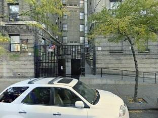 Apuñalan e incendian el cuerpo de un joven en el Bronx