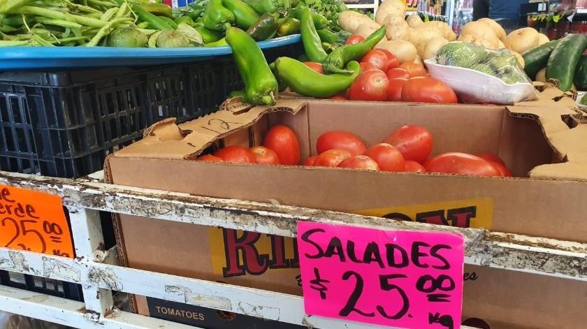 El precio del tomate saladet ha aumentado en los últimos días.(Mayra Echeverría)