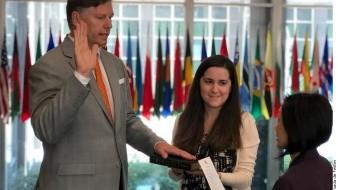 Landau celebra un año como embajador de EU en México